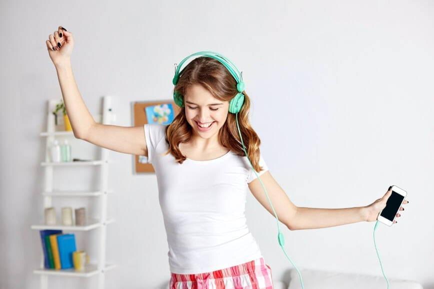 tańcząca nastolatka