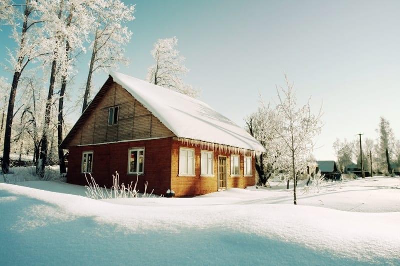 Ocieplamy Życie - dom w zimie