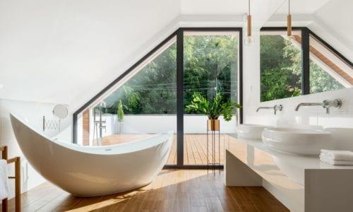 nowoczesna łazienka na poddaszu