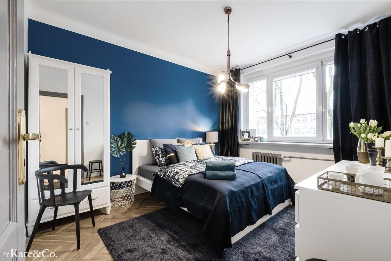 Ściana w kolorze Classic Blue